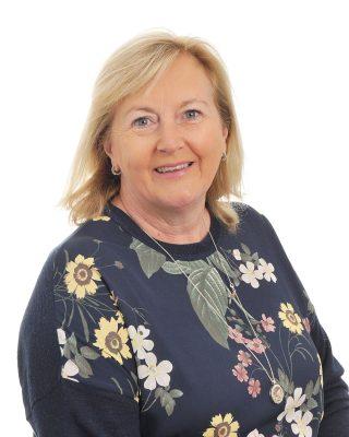 Karen Lilley : Office Manager