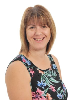 Victoria Marshall : Teaching Assistant - Primary