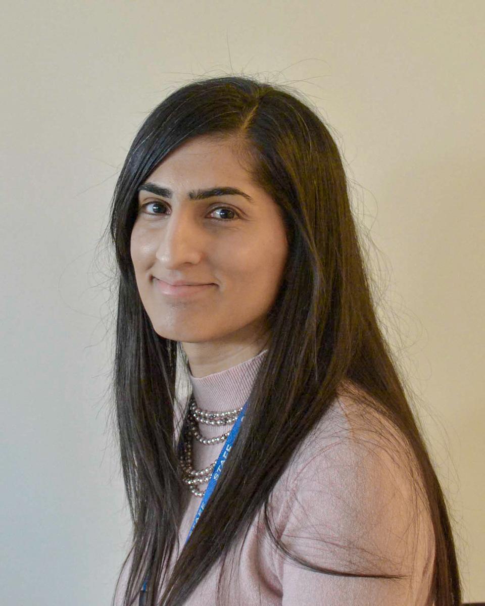 Miss  Akhtar : Year 3/4 SA